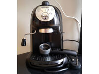 DELONGHI ECC221B COFFEE MACHINE WITH MILK FROTHER