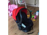 Stokke Izi sleep baby car seat