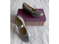 Clarks Girls Party Shoes / Pumps - Size 12