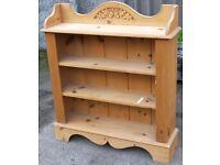 Decorative 4-Shelf Cedar Bookcase with Acorn & Oak Leaf Motif