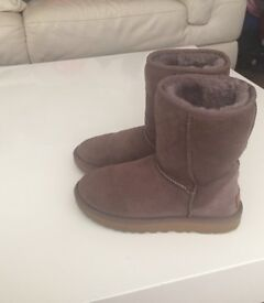 UGG boot 4.5 great condition rep £155 with receipt
