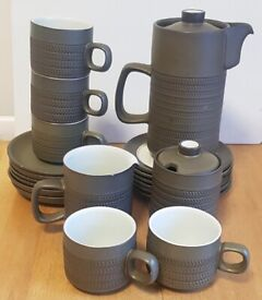 ♦♦♦ Large collection of Denby Green Chevron by Designer Gill Pemberton 1960's ♦♦♦