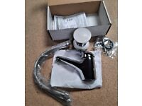 Brand New Mono Sink Mixer Tap In Chrome With Pop Up Waste T05