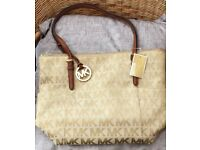 Genuine Michael kors beige Tote bag and purse