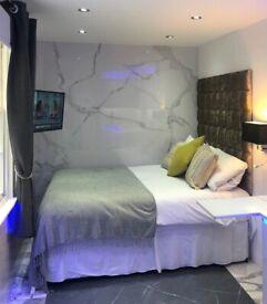 Super Modern Studio Apartment - Baker Street - Available NOW!!!