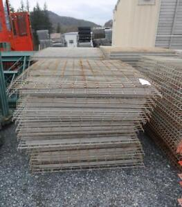 Pallet Decking For Step Style