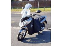 HONDA PCX 2011 - Low Mileage & Added Features