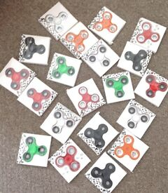 Wholesale fidget spinners comes in various colours brand new for resale