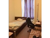 Student Room - walking distance to UoG or GCU