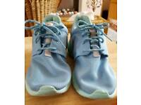 Nike roche trainers
