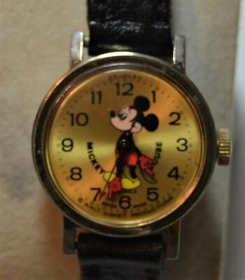 VTG Bradley Walt Disney Mickey Mouse Swiss Made 7j manual wind watch gold dial