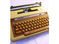 Smith Corona Electra AutomaticTypewriter in Soft Case VGC (WH_2267)