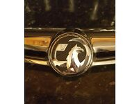 Vauxhaull Insignia front grill and badge