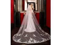 Poirier wedding veil