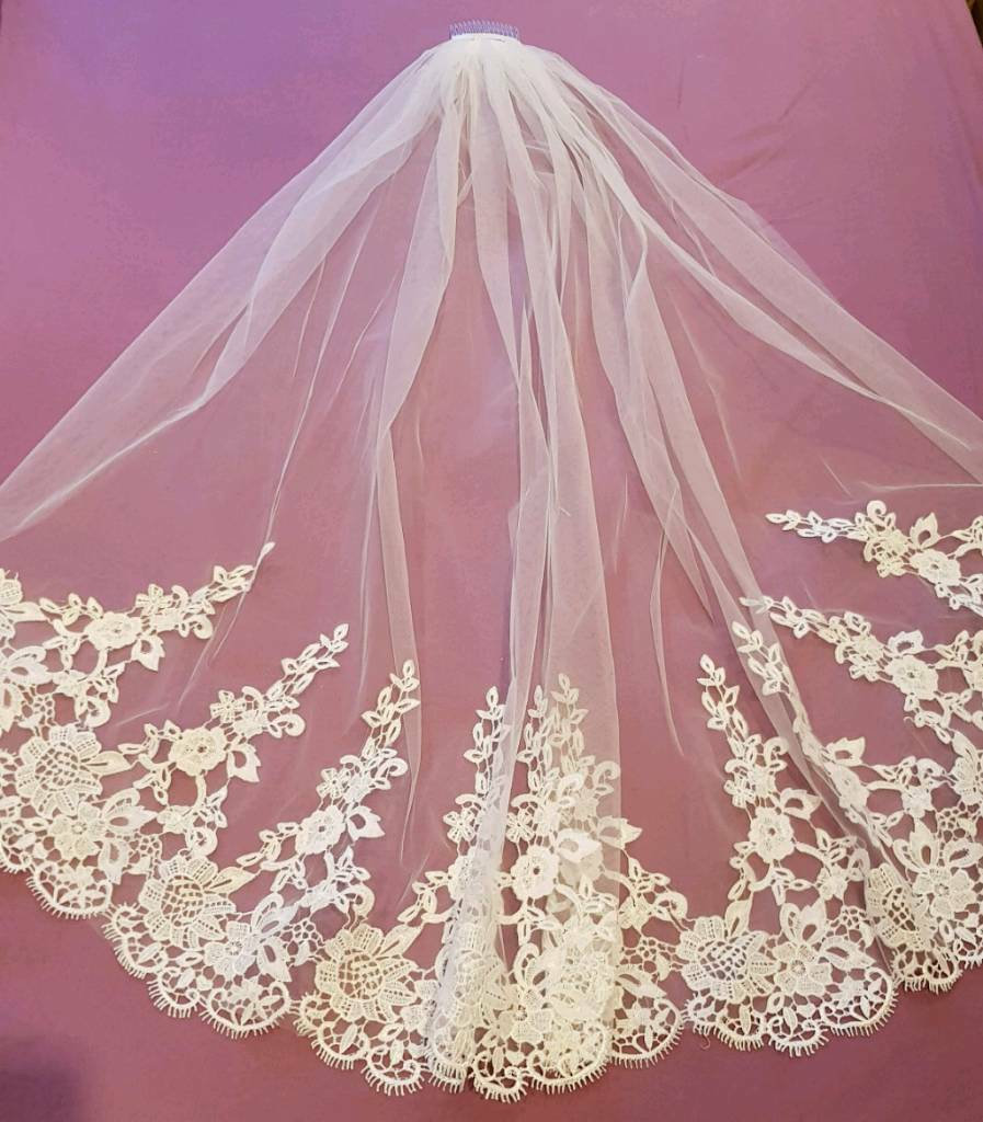 Brand New - Fingertip Length Veil with Lace Embroidery | in ...