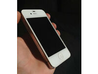 APPLE IPHONE , 4, 16GB, WHITE WITH CHARGER , ON 02 AND GIFFGAFF MAYBE WORK WITH OTHER NETWORKS