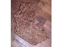 Ladies La Senza satin pyjama bottoms. Brand new £5