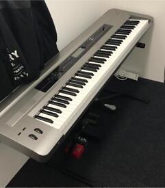 Korg Kross 88 Piano Keyboard workstation ( Platinum Edition )