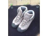 Scarpa Men's Kailash GTX Hiking Boots size 9 (EU 43)