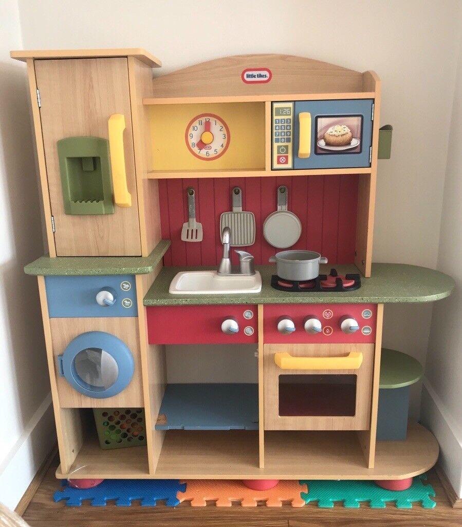 Little Tikes Cooking Creations Premium Wooden Kitchen