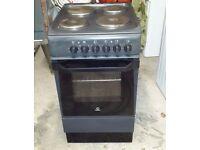 Freestanding cooker