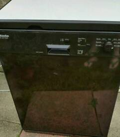 Miele dishwasher £70