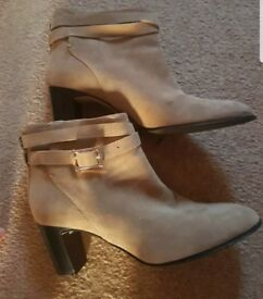 Hobbs suede ankle boots 41