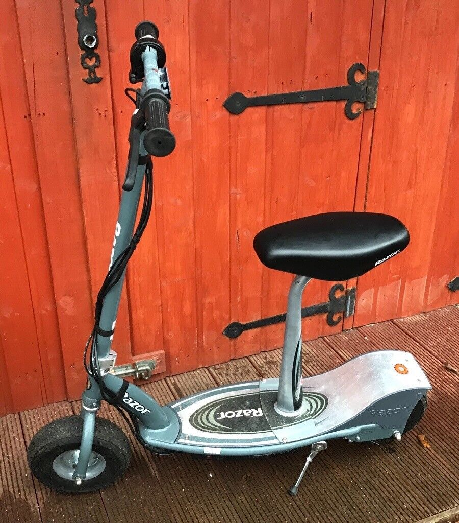 Razor E300s Seated Electric Scooter With Added Battery Meter New