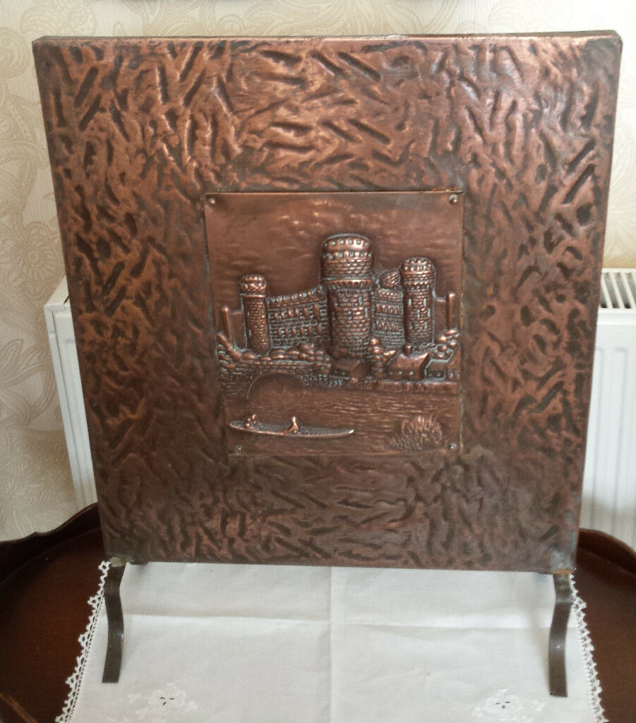 """Antique / vintage beaten copper on tin fireplace firescreen / fire guard 24"""" x 18"""""""
