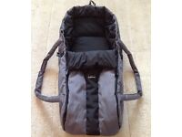 Phil & Teds baby cocoon / carry cot. Black & Grey, very good condition.