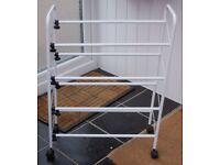 3 TIER WHITE EXTENDING SHOE RACK IN GOOD LITTLE USED CONDITION, ONLY £15, CAN DELIVER