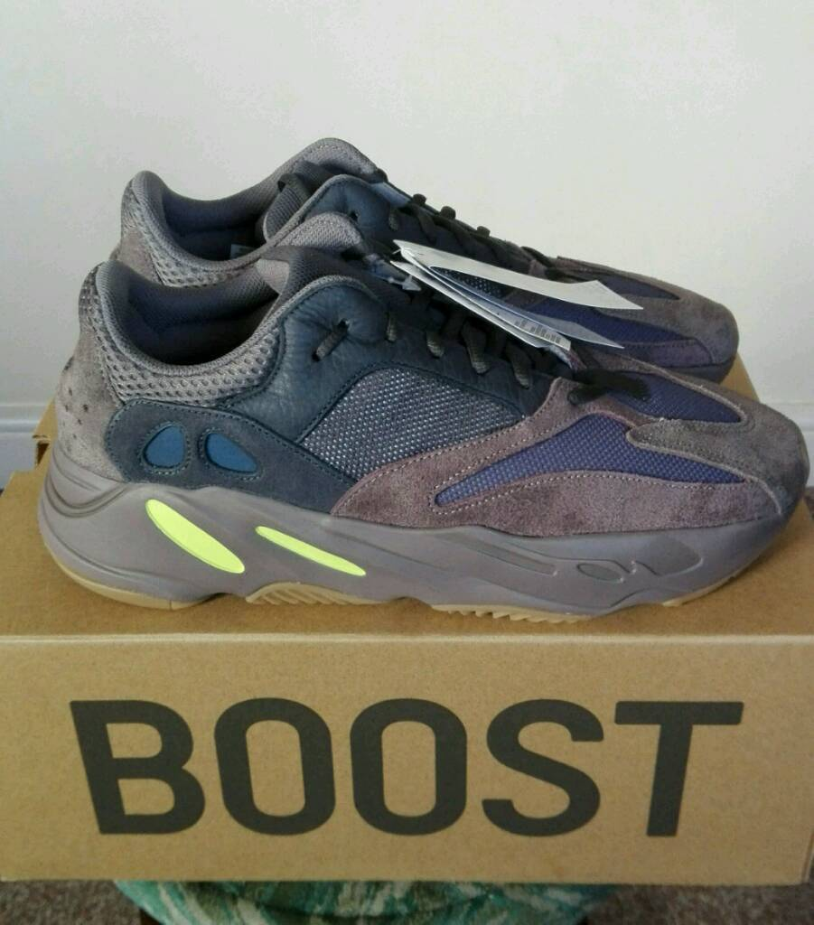 3d9755b0d2898 Adidas Yeezy Boost 700 (Mauve)