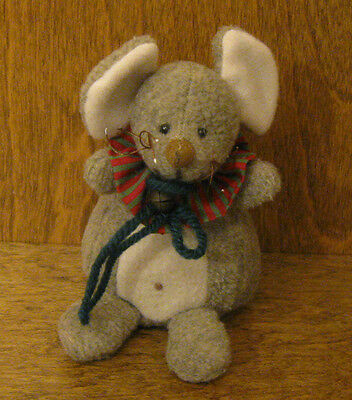 Ganz Cottage #CC11175B HOLIDAY DUMPLINGS MOUSE by Lorraine Chien, Christmas
