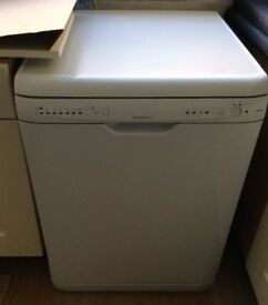 *ATTENTION* ~ Now SOLD,SOLD,SOLD - Hotpoint Dishwasher DWF50 White for Sale.