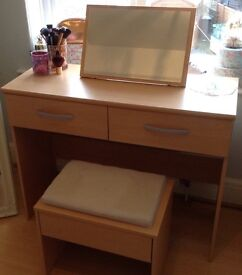 Immaculate dressing table hardly used very sturdy piece