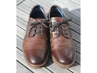 Pavers Brown Leather casual shoes. Size 9 (43)