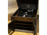 HMV Oak Gramophone Model 109 circa 1926