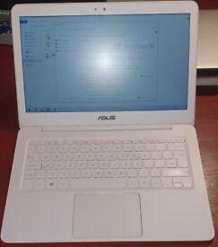 Asus Zenbook UX305F 13.3 inch FHD Laptop Ultra Slim & Fast intel m5 8gb ram 128gb SSD Office 2016