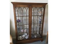 Glass display cabinet. Wood and glass construction