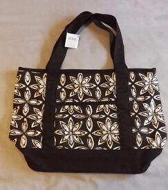 NEW, Never Used M & Co Brown and Cream Patterned Canvas Beach-Style Bag – Price Tag Attached