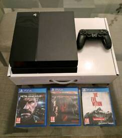 Playstation 4 500 GB +3 Games Mint Condition
