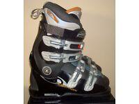 Women's SALOMON SKI BOOTS Shoe size 5 (38) Mon 24