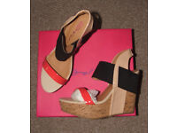 Different womens/girls/ladies - sandals/flip-flops - sizes 3 and 4 - new and as new - Prices from £2