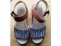 Womens Clarks Sandals size 6