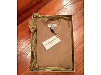 Burberry Brand New 100% Cashmere Women´s Sweater, Camel Color, Size S