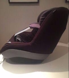 Maxi Cosi Pearl Car Seat & Family Fix Base ** Price Drop**
