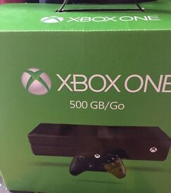 XBOX ONE 500GB WITH 1 CONTROLLER & 2 GAMES