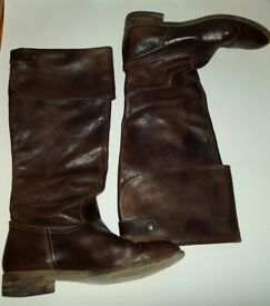 Italian brown leather high cavalier boots. Size 7. Very good condition