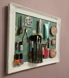 Ideal Gift for Her / girls / women Vintage style cosmetic frame practical and art and deco
