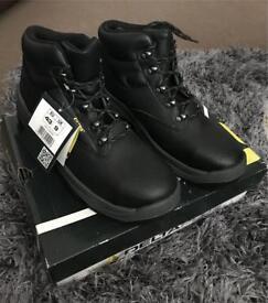 Men's DeltaPlus Work Boots Size 9